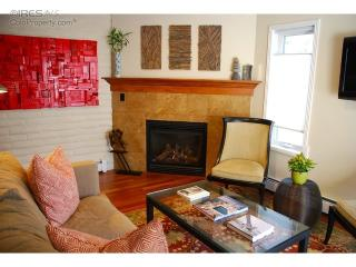 Charming Downtown Boulder Townhome Near Trails