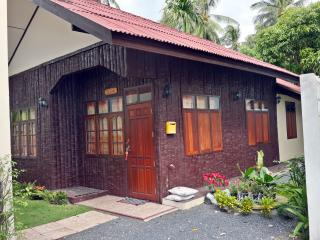 House 200 mb wi-fi 2 Bedroom near Beach A