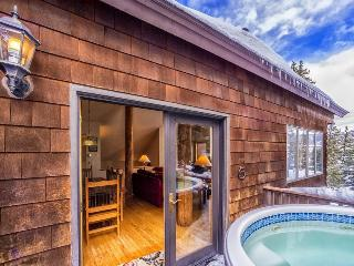 Cool Ridge Town Home at Summerwood - Private hot tub with amazing mountain views!, Dillon