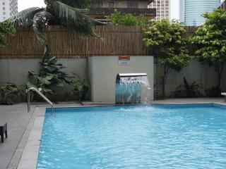 CHEAPEST* Spacious Safe 1-BR Condo! +wifi +a/c