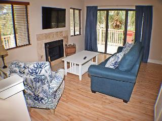 Beachwalk 207 -Townhouse-Spacious 1  Bedroom Condo, Hilton Head