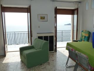 GRAZIOSO APPARTAMENTO WONDERFUL SEA VIEW!, Acireale