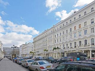 Delightful and cosy 2 bedroom apartment- Kensington, London