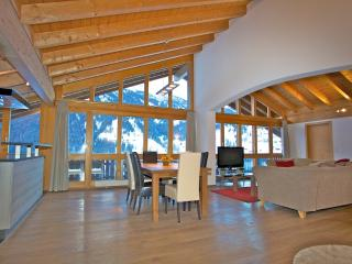 Open plan Attic with amazing mountain views