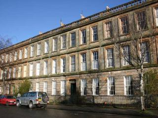 Lovely Period Large Ground floor 3 bed Apartment, Glasgow