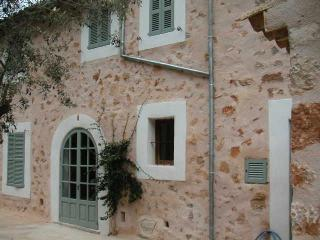 Townhouse Deia – Great town house in Deia for six persons, Deià