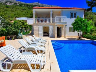 Holiday Home Perna with Pool