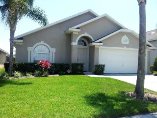 Villa - 4 Bed/2 Bathroom Private South Facing Pool, Orlando