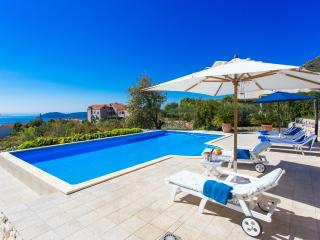 Villa Zeus - Three-Bedroom Villa with Private Pool