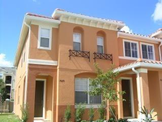 Incredibly nice and just 1.5 miles to Disney, Kissimmee