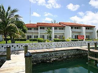 Emerald Cay Condo, Freeport