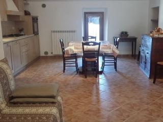 Nuovissimo appartamento in un tranquillo paesino m, Buriano