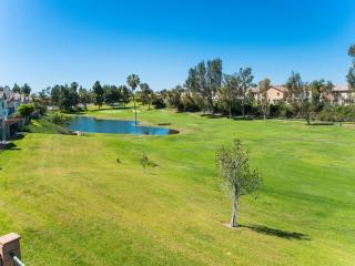 Golf-Course View Vacation Getaway, Placentia