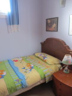 Small bedroom, air conditioning