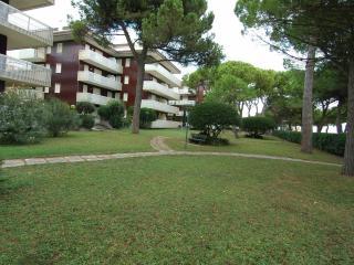 Nido del Gabbiano front beach residence with A/C, Lignano Sabbiadoro