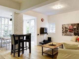 Best Apartment in Basel Square/2BDR, Tel Aviv