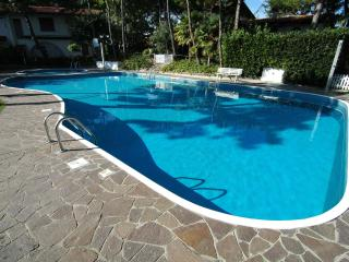 Villa Acace D with A/C and 2 swimming pools, Lignano Sabbiadoro