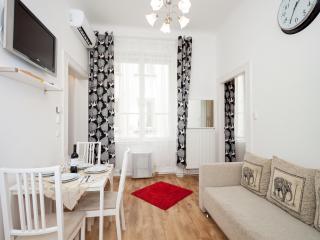 Elegant City Centre Apartment /IR15/, Budapest