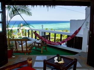 Fantastic oceanview! Quiet/central sleeps up to 5!, Boracay