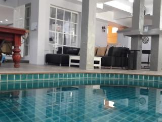 Patong private pool villa 5 minutes walk to the beach,nightlife