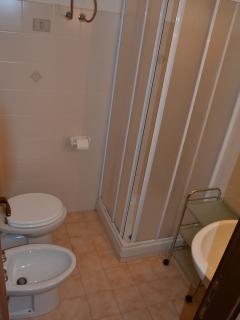 Il bagno al piano superiore