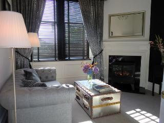 Towers serviced apartment, Paisley