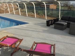 Chambres d'hotes de charme avec piscine abritee