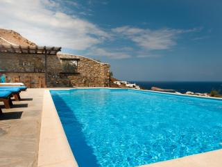 Villa with Breathtaking View - Transfers Included, Ciudad de Míkonos