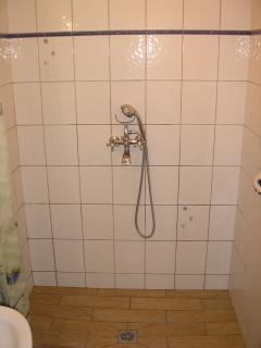 Coté douche salle de bain de l'étage