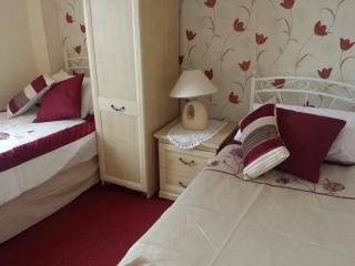Scarborough (North Bay) - Self Catering Apartment