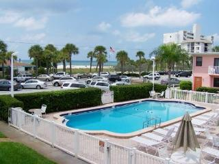 ADORABLE BEACH CONDO!!! GREAT RATES!!! FABULOUS SUNSETS ON ST. PETE BEACH!!!