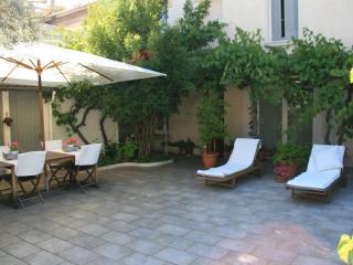 Maison de charme avec Patio, Avignon