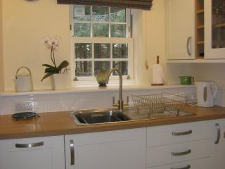Bright and fresh fully equipped kitchen