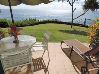 Poipu Shores 104C, 2BR OCEANFRONT LRG Townhome. 2 oceanfront lanai, heated pool