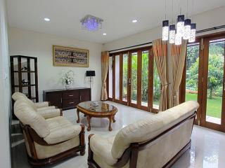 4BR + 1 BR, De Reiz Villa Nirwana Syariah, Bandung