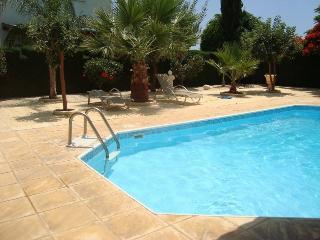 Villa Maria in Coral Bay + Heated Pool, 3 Bedroom, Paphos