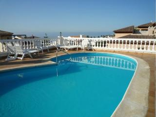 AA329 Pitufo apartment rental Nerja