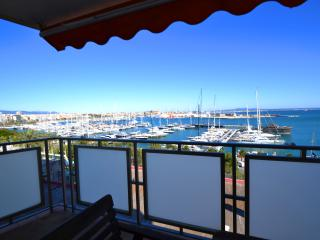 Maritim 2 with stunning views over the Bay, Palma de Mallorca