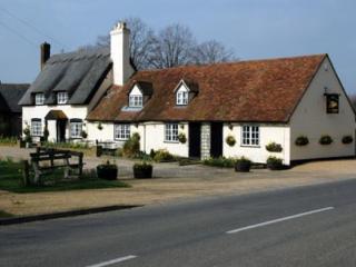 The Old Rectory Apartment, Leafy,village area near MK centre