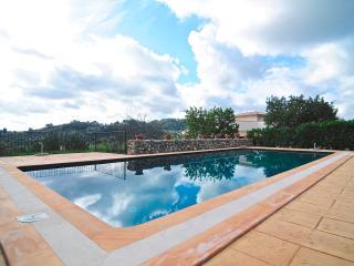 6 bedrooms Villa Caimari with private pool, Selva