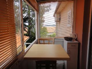 Antonio 1 - studio for 2 with partial sea view, Orebic