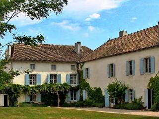 Chateau De Bardoulye, Saint-Aubin-de-Cadelech