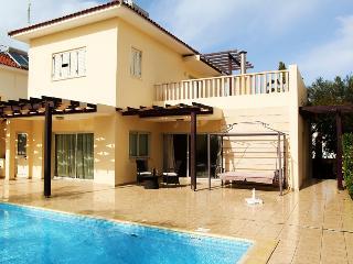 Larnaca Bay villa, Larnaka City