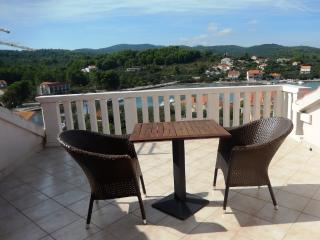 Pavica 2 - apartment for 2 with AC, Korcula Town
