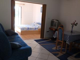 Renata 3 for 3 with AC and WiFi, Ciudad de Rab