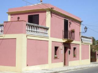 Villa Giuliana, Rodi' Milici