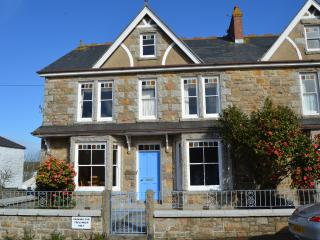 Spacious Warm & Friendly Family Home, Marazion
