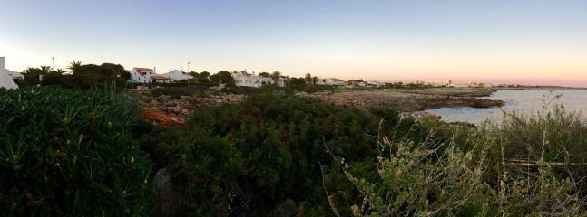Vista desde el exterior de la propiedad de la linea de costa.
