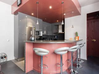 81sqm Modern Central Paris apt, Parking, Bastille