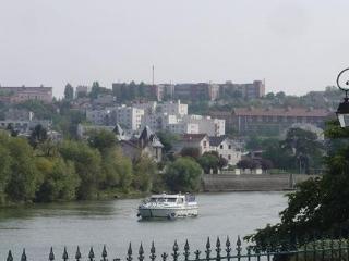 maison en bords de Marne à coté de Nogent
